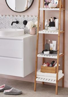 Dorm Room Storage You Need This Semester is part of Bathroom storage shelves You need to look into these dorm room storage strategies in order to prepare your dorm rooms for the upcoming university - Bathroom Storage Solutions, Bathroom Storage Shelves, Bathroom Organisation, Home Organization, Toiletry Organization, Ladder Storage, Toilet Storage, Storage Ideas, Organizing