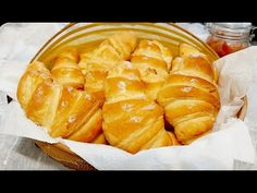 Rohlík! Jednoduché, lehké a sladké. - YouTube Bread Recipes, Chicken Recipes, Snack Recipes, Cooking Recipes, Croissant Recipe, Cake Mix Cookie Recipes, Tea Biscuits, Puff Pastry Recipes, Pie Dessert