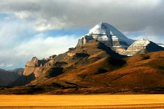Кайлас Tibet, Kailash Mansarovar, Sacred Mountain, Mountain Photography, Ancient Architecture, Monument Valley, Cool Pictures, Places To Go, Earth