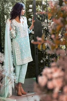 Mina Hasan Eid-ul-Adha Embroidered Dresses 2015 By Shariq http://clothingpk.blogspot.com/2015/09/mina-hasan-eid-ul-adha-embroidered-dresses-by-shariq.html