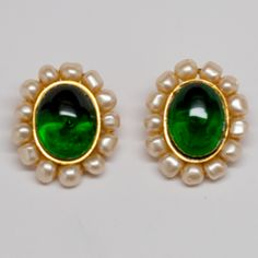 Thank goodness it's friday and CHANEL! I love the idea of wearing these casually with some nice jeans and a dark tank, maybe hair up? What would you wear these with on a Friday? CHANEL GREEN CABOCHON GEM EARRINGS WITH FAUX PEARLS #chanel #vintage #pearls #dressfabulous #gobigorgohome