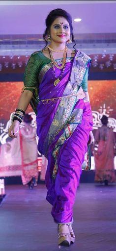 Beautiful Girl Image, Beautiful Ladies, Beautiful Roses, Marathi Saree, Nauvari Saree, Beauty Girls, Indian Beauty Saree, Beautiful Indian Actress, Indian Actresses