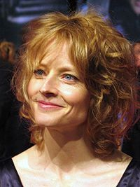 ALICIA CHISTIAN FOSTERA (19 de noviembre de 1962), conocida como Jodie Foster, es una actriz y directora de cine estadounidense ganadora de dos Globos de Oro y dos Óscar.
