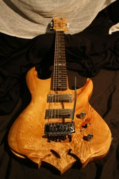 Roeller's Custom Guitars Triton