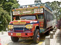 "Colombia - Medio de transporte tradicional. ""La Chiva""."