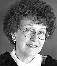 Mary Pratt, still life artist. Canadian Painters, Canadian Artists, Famous Sculpture Artists, Mary Pratt, Still Life Artists, Celebs, Amazing People, Photos, Designers