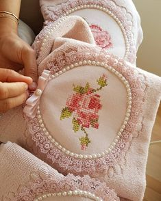 how to do brazilian embroidery stitches Hardanger Embroidery, Hand Embroidery Patterns, Ribbon Embroidery, Embroidery Art, Cross Stitch Embroidery, Cross Stitch Patterns, Doll House Crafts, Wedding Gift Wrapping, Shabby Chic Pillows