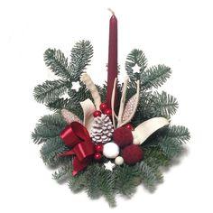 Élőfenyős sírdísz fatalpon - bordó - Szárazvirág díszek webáruháza Christmas Wreaths, Christmas Ornaments, Holiday Decor, Home Decor, Decoration Home, Room Decor, Christmas Jewelry, Christmas Baubles, Christmas Decorations