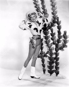 photo Anne Neyland super cute cowgirl pinup pose dp-0037