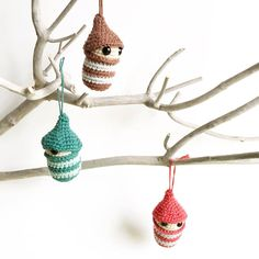 Visit the post for more. Christmas Crafts, Xmas, Christmas Ornaments, Crochet Christmas, Crochet Home, Filet Crochet, Christmas Inspiration, Free Pattern, Crochet Earrings