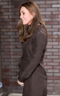 Kate Middleton Puts a Bow on Her Baby Bump, Has Tea With Foster Caregivers, Children?See the Pics! | E! Online Mobile