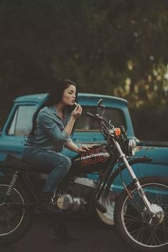 This is so me. Gotta have a place to stash my lipstick... 'cause I'm a lady. ;) #womenwhoride #mymklife #lipstickandleather
