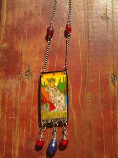 Tarot card necklace (shrinky dinks) - JEWELRY AND TRINKETS - Last night I had a shrinky dink party at my home It was a lot of fun. Diy Playing Cards, Vintage Playing Cards, Jewelry Crafts, Jewelry Art, Diy Jewellery, Shrink Plastic Jewelry, Plastic Jewellery, Recycled Jewelry, Handmade Jewelry