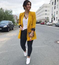 We Heart It Yellow blazer outfit Orange Blazer Outfits, Blazer Outfits Casual, Blazer Outfits For Women, Blazer Fashion, Chic Outfits, Fashion Outfits, Yellow Outfits, Classy Outfits, Look Blazer