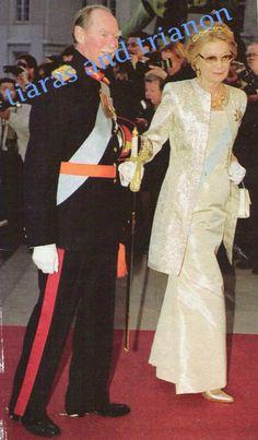 Citrine and pearl bandeau worn by Grand Duchess Josephine-Charlotte here with her husband Grand Duke Jean I