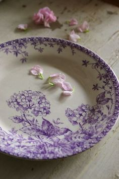 Love this purple transferware plate Vintage Plates, Vintage Dishes, Vintage China, Lavender Cottage, Lavender Blue, French Lavender, Purple Kitchen, Nice Kitchen, Square Plates