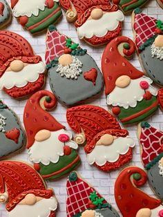 Cute Christmas Cookies, Iced Cookies, Christmas Sweets, Christmas Cooking, Cookies Et Biscuits, Holiday Cookies, Cupcake Cookies, No Bake Sugar Cookies, Fancy Cookies