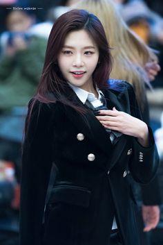Jiu South Korean Girls, Korean Girl Groups, Kim Min Ji, Jiu Dreamcatcher, Girl Bands, Our Girl, Beautiful Asian Girls, Pretty Woman, Kpop Girls