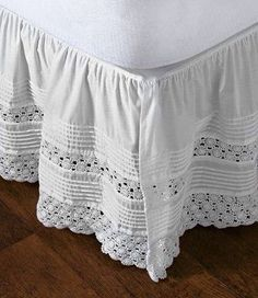 """heirloom"" crocheted bed skirt Idea: use old doilies or runners for bedskirt! Home Bedroom, Bedroom Decor, Bedrooms, Diy Recycling, Lace Bedding, Linens And Lace, Comfortable Fashion, Bed Covers, Soft Furnishings"