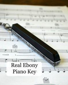 Piano sleutel ketting - echte Ebony - Piano ketting - Gift voor muzikant - Piano sieraden - muziek ketting (2295)