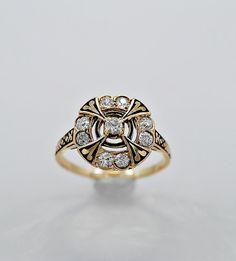 Antiguo anillo de compromiso. 60 CT. T.W. por GesnerEstateJewelry