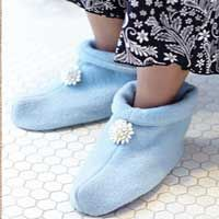 Nifty Thrifty: Cozy Slippers pattern download