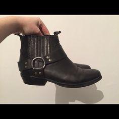 VAGABOND Grace Zip ankle boots, black nubuck Depop