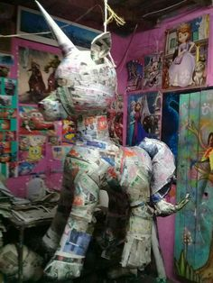 Paper Mache Diy, Paper Mache Projects, Paper Crafts, Animal Pictures For Kids, Animal Crafts For Kids, Unicorn Pinata, Unicorn Party, How To Make Pinata, My Little Pony Unicorn