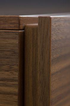 MOBILAMO im Detail - Korpusmöbel online konfigurieren Wood Veneer, Real Wood, Montage, Designer, Detail, Collection, Carpenter, Timber Wood, Plywood
