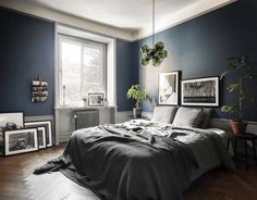 The latest tips and news on Bedroom Decor are on POPSUGAR Home. On POPSUGAR Home you will find everything you need on home décor, garden and Bedroom Decor. Dark Blue Bedrooms, Dark Blue Walls, Blue Rooms, Dark Bedroom Walls, Dark Painted Walls, Dark Gray Bedroom, Bedroom Green, Cozy Bedroom, Bedroom Decor