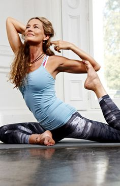 I love Yoga and i love to share it. I believe in peace and this picture is my message of peace for the world.  PIN IT if you like it