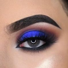 Makeup Eye Looks, Eye Makeup Steps, Beautiful Eye Makeup, Eye Makeup Art, Makeup For Green Eyes, Blue Eye Makeup, Smokey Eye Makeup, Creative Eye Makeup, Simple Eye Makeup