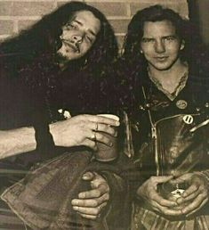 Chris Cornell and Eddie Vedder 1990s Music, Say Hello To Heaven, Feeling Minnesota, Pearl Jam Eddie Vedder, Grunge Guys, Temple Of The Dog, The Hollywood Bowl, Alice In Chains, Chris Cornell