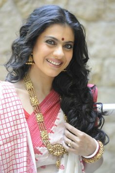 The beautiful Kajol in a traditional Bengali look. #Bridelan