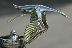 Hispano-suiza-hood-ornament - Hispano-Suiza - Wikipedia, the free encyclopedia Car Badges, Car Logos, Rolls Royce, Auto Logo, Hispano Suiza, Car Hood Ornaments, Automotive Art, Car Brands, Retro