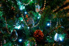 christmas decorations ©seaseight blog http://seaseight.blogspot.it/2011/12/christmas-is-coming-tree-decoration.html