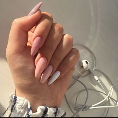 Image uploaded by Jarbas Jacare. Find images and videos about nails on We Heart It - the app to get lost in what you love. Aycrlic Nails, Nail Manicure, Hair And Nails, Manicure Ideas, Glitter Nails, Coffin Nails, Nail Polish, Stylish Nails, Trendy Nails