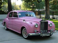 ORLANDO, FL — VIP Transportation Group recently acquired a one of a kind 1962 Pink Rolls Royce Silver Cloud II. Pink Love, Pretty In Pink, Pink Purple, Pink Color, Ford Gt, Vintage Cars, Antique Cars, Vintage Pink, Automobile