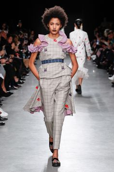 Rahul Mishra Fall 2017 Ready-to-Wear Collection Photos - Vogue