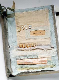 Art Quilt Journal (fabric strips) by Rebecca Sower (flickr) MORE #HANDMADE_JOURNALS http://www.flickr.com/photos/rebeccasower/sets/72157621806345542/with/4417352434/  #handmade #crafts #sewing #stitching #textiles #art_journals #handmade_books