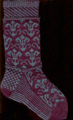 Red Bird Knits designer Robyn Gallimore creates intricate colourwork pattern designs for socks and other accessories, knit in Fair Isle style. Her influences range from traditional Latvian, Nordic … Knitting Stitches, Knitting Designs, Knitting Socks, Knitting Projects, Knitting Patterns, Knit Socks, Fair Isle Knitting, Weaving Patterns, Knitted Gloves