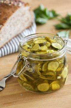 Love me some bread and butter pickles! Refrigerator Bread and Butter Pickles Bread & Butter Pickles, Bread N Butter, Chutney, Great Recipes, Favorite Recipes, Good Food, Yummy Food, Home Canning, Canning Recipes