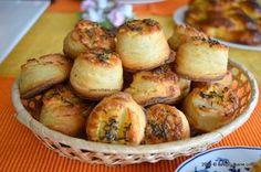 Pogacele-cu-branza-si-telemea (11) Romanian Desserts, Romanian Food, Romanian Recipes, Baby Food Recipes, Dessert Recipes, Cooking Recipes, How To Make Bread, Food To Make, English Sweets