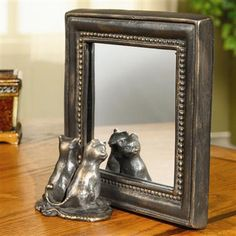 201501030038 - SPI Home - Square Mirror with Kittens