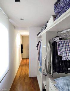 Decoradores e arquitetos esclarecem qual é o espaço mínimo para a leitora de CASA CLAUDIA ter um closet.