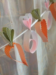 Make Easter decorations yourself - 105 fresh ideas for a more festive atmosphere - osterdeko make carrots bunny garland - Easter Projects, Easter Crafts For Kids, Diy For Kids, Bunny Crafts, Diy And Crafts, Paper Crafts, Easter Party, Easter Table, Easter Eggs