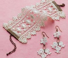 Lace jewelry-- Love the bracelet! Lace jewelry-- Love the bracelet! Bracelet Crochet, Lace Bracelet, Lace Earrings, Crochet Earrings, Textile Jewelry, Fabric Jewelry, Beaded Jewelry, Handmade Jewelry, Diy Lace Jewelry