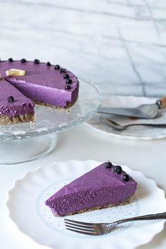 Refreshing and healthy no-bake cake it doesn't contain any processed sugars and flours. You will be impressed with the smooth texture and the delicious taste.