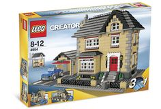 At Toys LaLaLand, we provide a variety of LEGO products. Check out our LEGO creator series and start building your very own LEGO house today! Lego Creator Sets, The Creator, Lego Village, Lego Boxes, Toy Packaging, Lego System, Buy Lego, Lego Lego, Lego Worlds