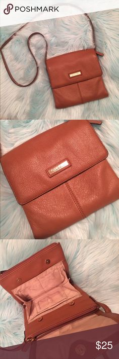 Calvin Klein side purse Cute crossbody. Signs of use but still has lots of life in it. Calvin Klein Bags Crossbody Bags